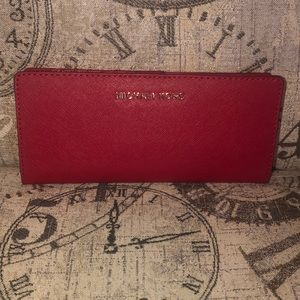 Price is NOT Firm MichaelKors JETSET TRAVEL Wallet